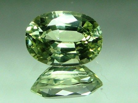 Chrysoberyl photo