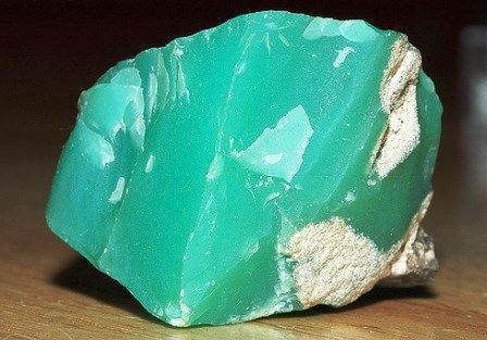 Chrysoprase gemstone meaning, birthstone, Chrysoprase properties