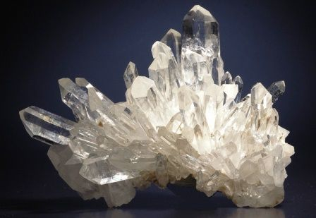Quartz gemstone: meaning, properties, uses, power, jewelry, photo