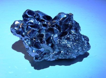 Sapphire gemstone: meaning, properties, uses, power, jewelry, photo