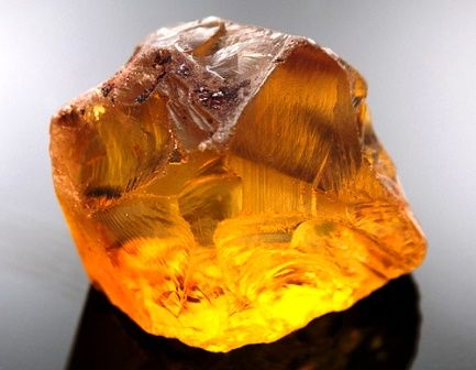 Citrine gemstone: meaning, properties, uses, power, jewelry, photo