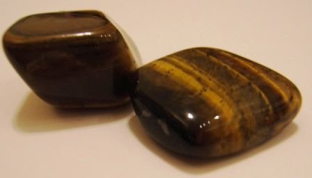 Tiger's Eye gemstone: meaning, properties, uses, power, jewelry, photo